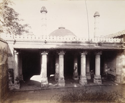 General view of the façade of the Sayyid Mosque, Mandal, Gujarat